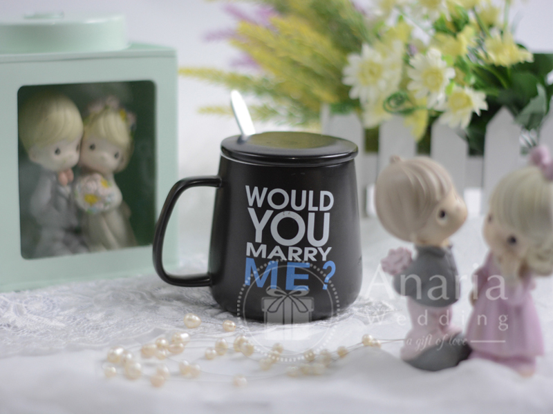 Souvenir Wedding Mug Couple With Spoon Dmg