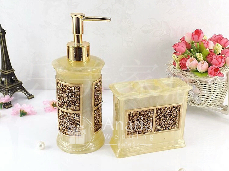Souvenir Marble King Soap Dispenser