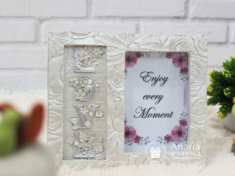 Souvenir Mewah Sweet Love Photo Frame FB130